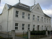 Budova bývalé školy, sídlo ÚMČ v Královicích po rekonstrukci - 81.39KiB